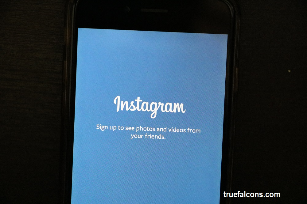 how to add a link on instagram